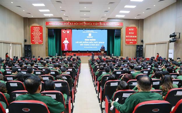 Trung tâm Thông tin Thư viện tham dự lớp bồi dưỡng kiến thức quốc phòng và an ninh cho đối tượng 4