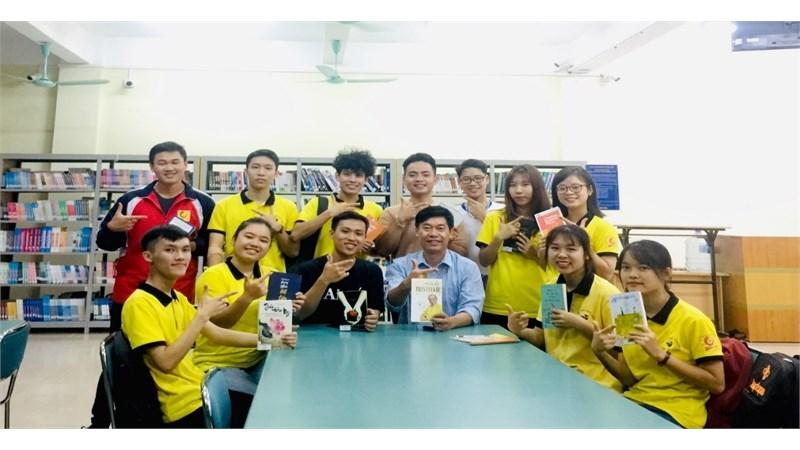Khơi dậy niềm đam mê đọc sách cho sinh viên Trường Đại học Công nghiệp Hà Nội